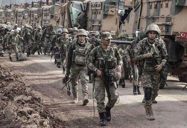 土耳其扛不住了?向美国提军火支持,忘了自己曾向美军开火?