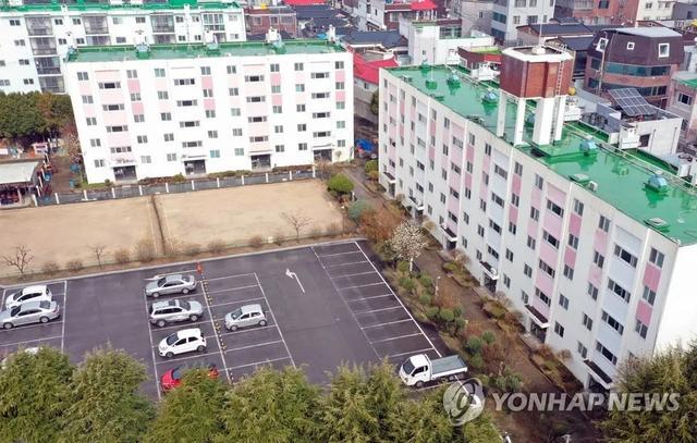 韩国首都圈又发生新冠肺炎集体性感染,一教会举行礼拜后确诊40例