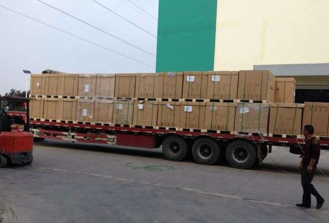 关键时刻,王毅发出东方强音,7天后,中国货机满载物资抵达巴铁