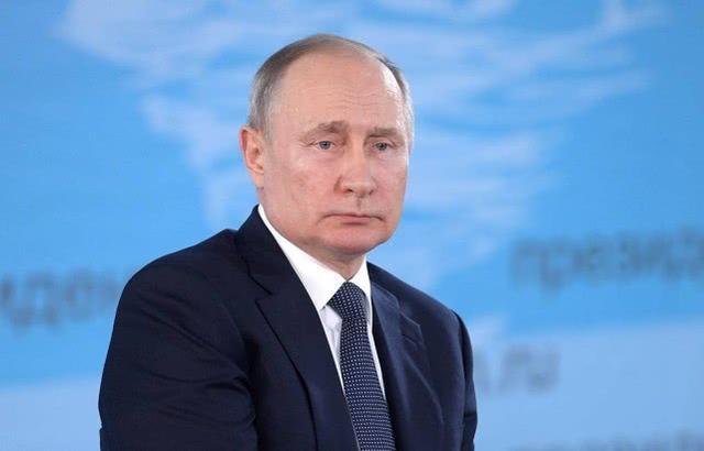 """""""莫斯科实施宵禁""""是假消息!普京呼吁民众不要相信谣言"""
