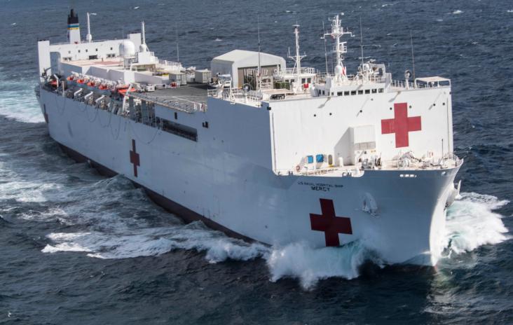 新冠疫情逼美国海军动用海上超霸:世界最大的两条医院船