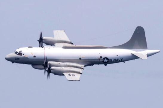 不顾疫情海空并进!美军机一天内同时飞入南海东海黄海上空