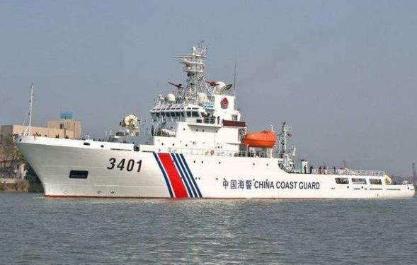以卵击石!越南渔船在西沙撞中国海警船后沉没