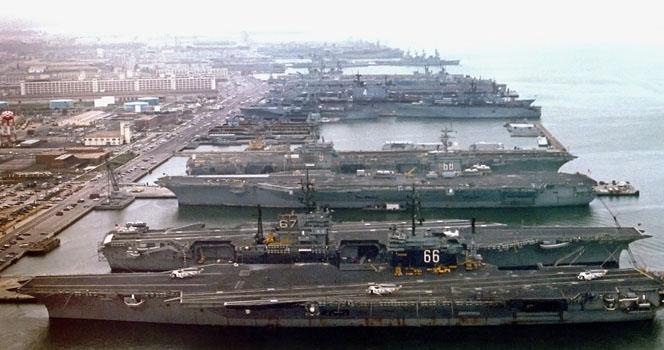 """偷袭好时机?美太平洋舰队4艘航母""""确诊"""",现在开战美军必败?"""