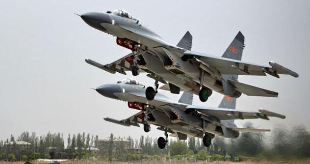 """中国的""""隐身飞鲨"""":第5代隐身舰载机,海军必须跨过的门槛"""