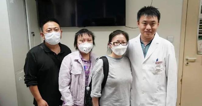 再遇为自己挡刀的患者家属 陶勇医生笑了 网友却想哭...