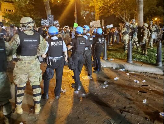 美国大规模骚乱,首都华盛顿出动国民警卫队保护白宫