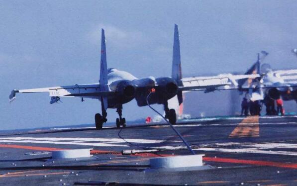 3秒内拦停舰载机!它让中国海军航空兵在辽宁舰上安营扎寨