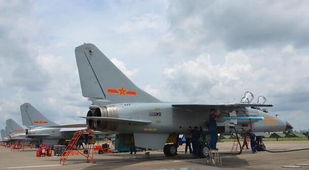 巴铁准备采购国产战机,歼10意外被无视,飞豹战机成为首选