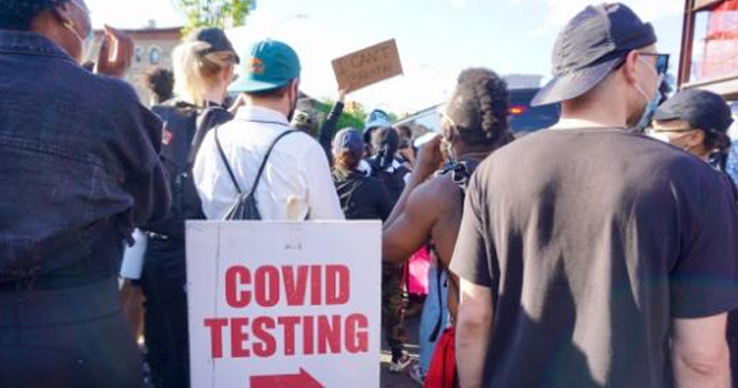 美国新冠肺炎死亡近11万例,抗议仍在继续,这是怎么了?