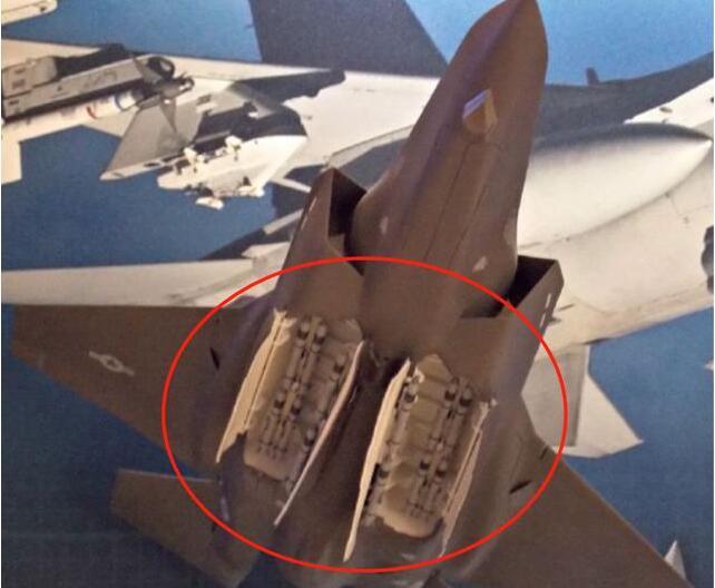 歼-20也能挂12枚空空导弹?美新型空空导弹亮相,F-35可挂12枚