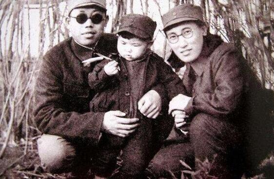 李作鹏活了95岁,追悼会为何中途被停?晚年坚决不出国!