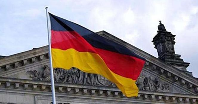 德政客以反华为荣,默克尔一旦下台,就要将枪口对准全国