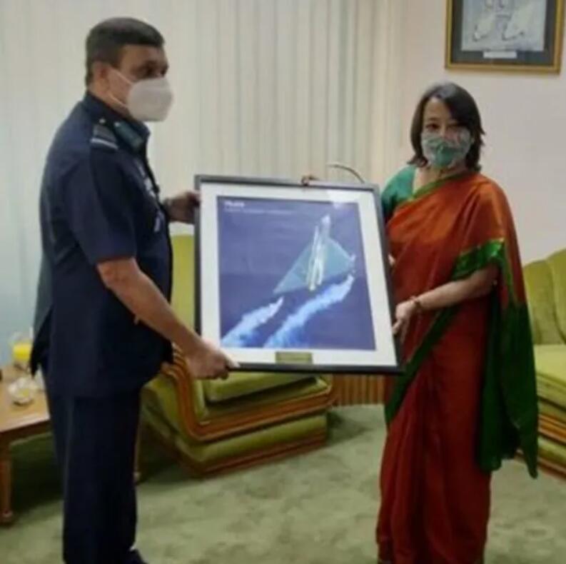 印度推销光辉战机,触角伸到中国武器传统使用国,只能白费力气