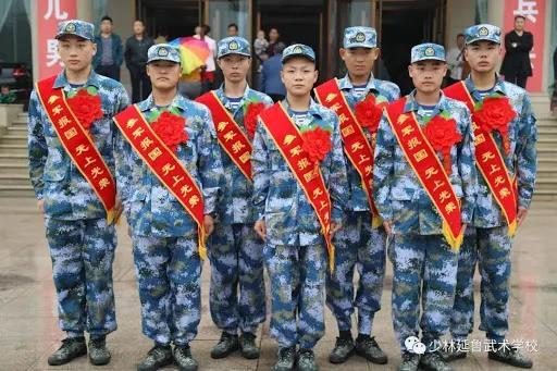 """少林小子加入中国特战部队 下次边境再""""打群架"""" 让他们见识下少林棍法"""
