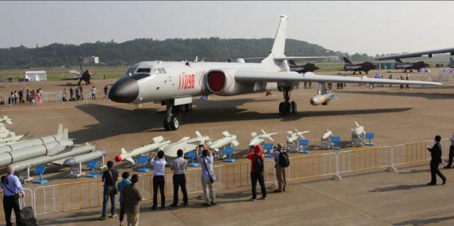 美媒:解放军发布轰-6K模拟攻击关岛视频,是警告还是威胁?