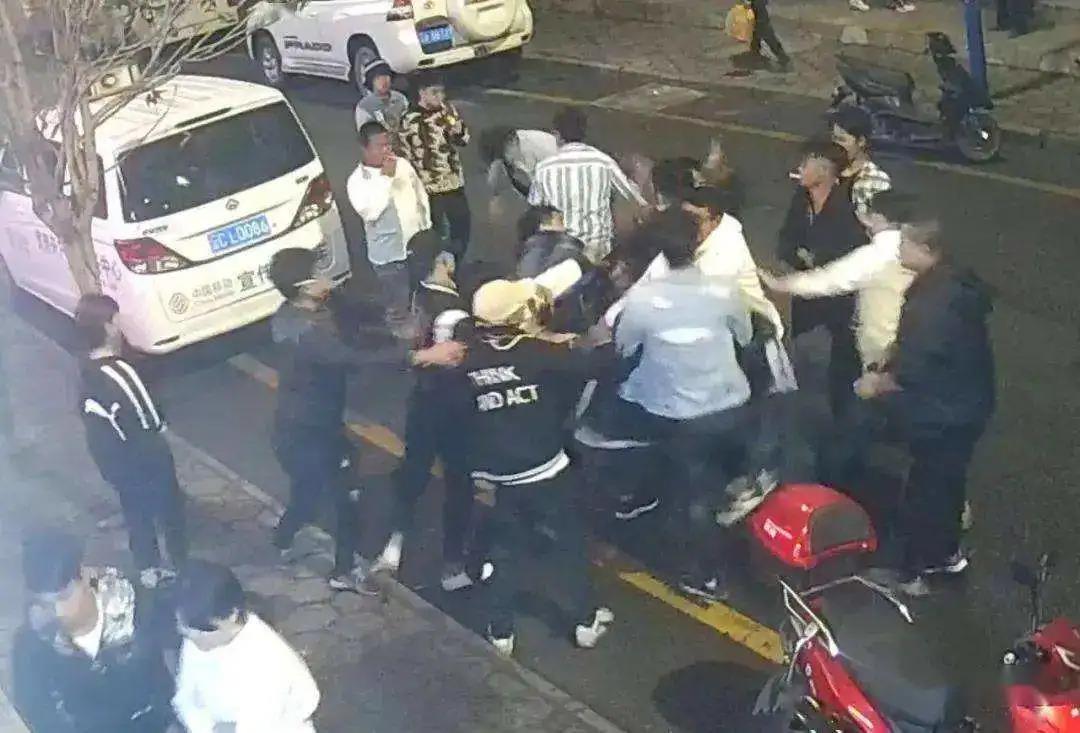 天才枪手沦为悍匪!37名警察围捕他1人 却付出5人牺牲 6人重伤的代价