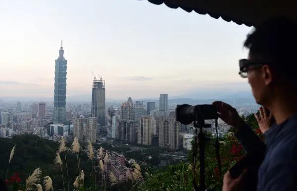 台湾当局不断挑衅 解放军巡航成常态 杨承军:目前是对台武统最佳时机