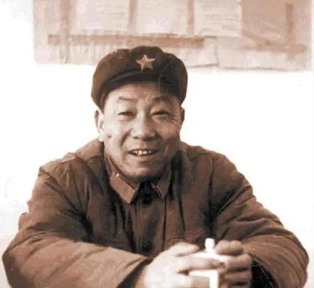 中国最强狙神:32天靠机瞄狙杀214名美军,还会开战斗机