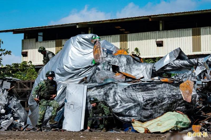 台军大秀引以为傲伪装术,岛内网友泼冷水:以为解放军是塑胶?