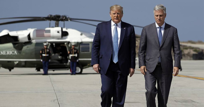 """触碰底线!美政客大放厥词:中国是""""世纪威胁"""""""