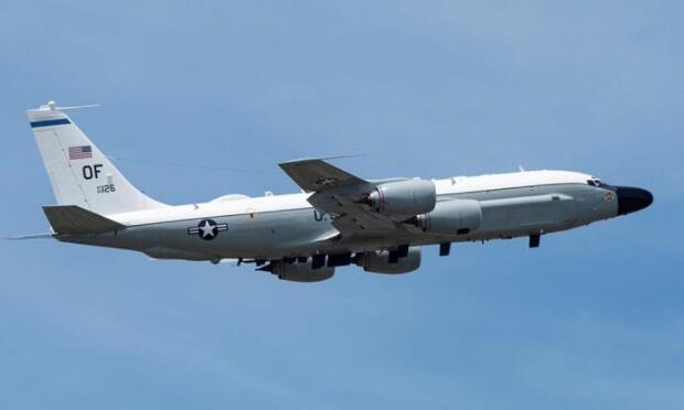 美军侦察机飞越台湾上空 台防务部门又来否认