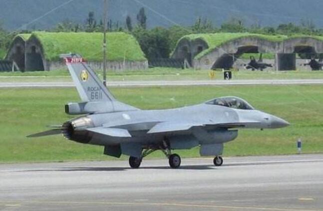 飞行员驾F-16投诚大陆?台方否认 通联纪录显示战机曾入云飞行