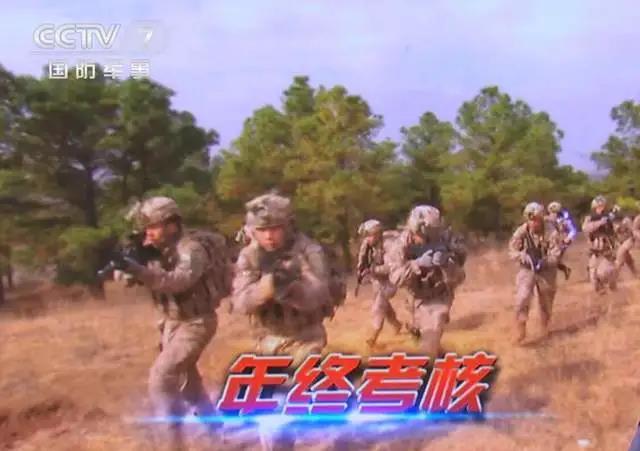 中国特种兵全新形象:星空迷彩穿上身,现有武器随便挑