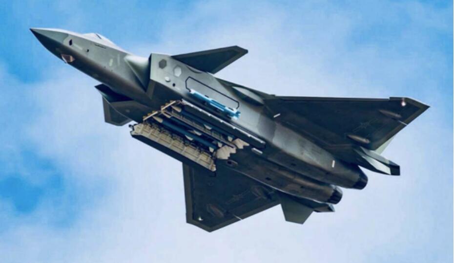 中印摩擦后 中方换装更先进战机 是中国空军首款装备AESA雷达的战斗机