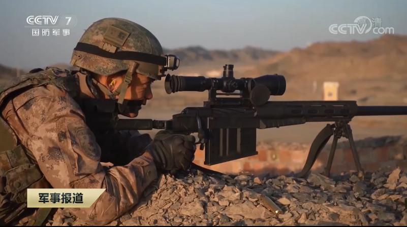 新型狙擊步槍、長款閱兵步槍首秀!特種部隊黑夜傘降破曉突擊