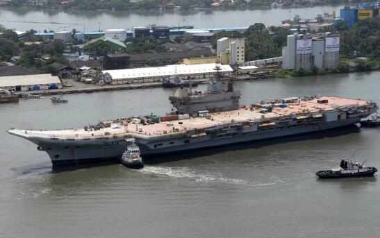 印度第一艘国产航母系泊试验!武器系统耐人寻味