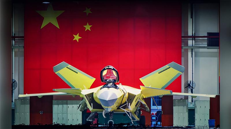 美媒推测:中国歼-20双座型即将出现,多一名飞行员好处太大