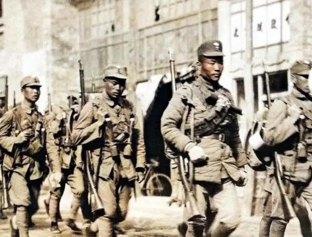 """1937年全面抗战爆发时,""""四川王""""刘湘麾下有多少兵力?"""