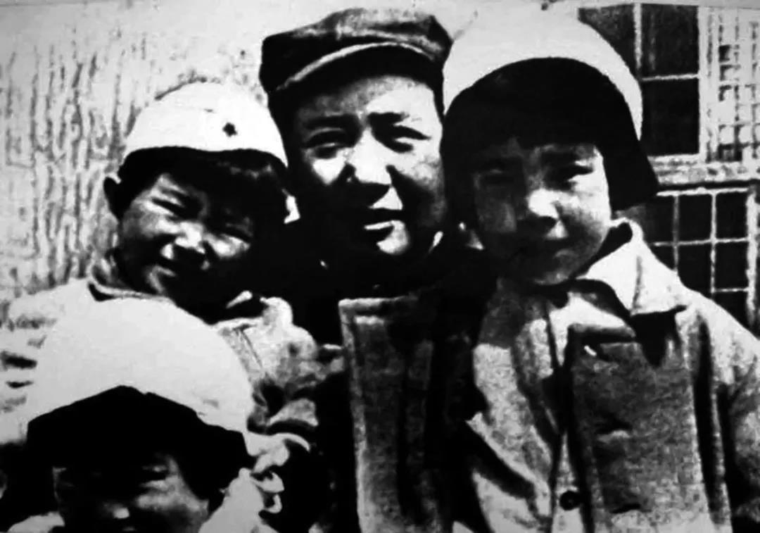 """毛泽东秘书胡乔木之女:""""鄙视那些利用父辈光环为自己谋私利的人!"""""""