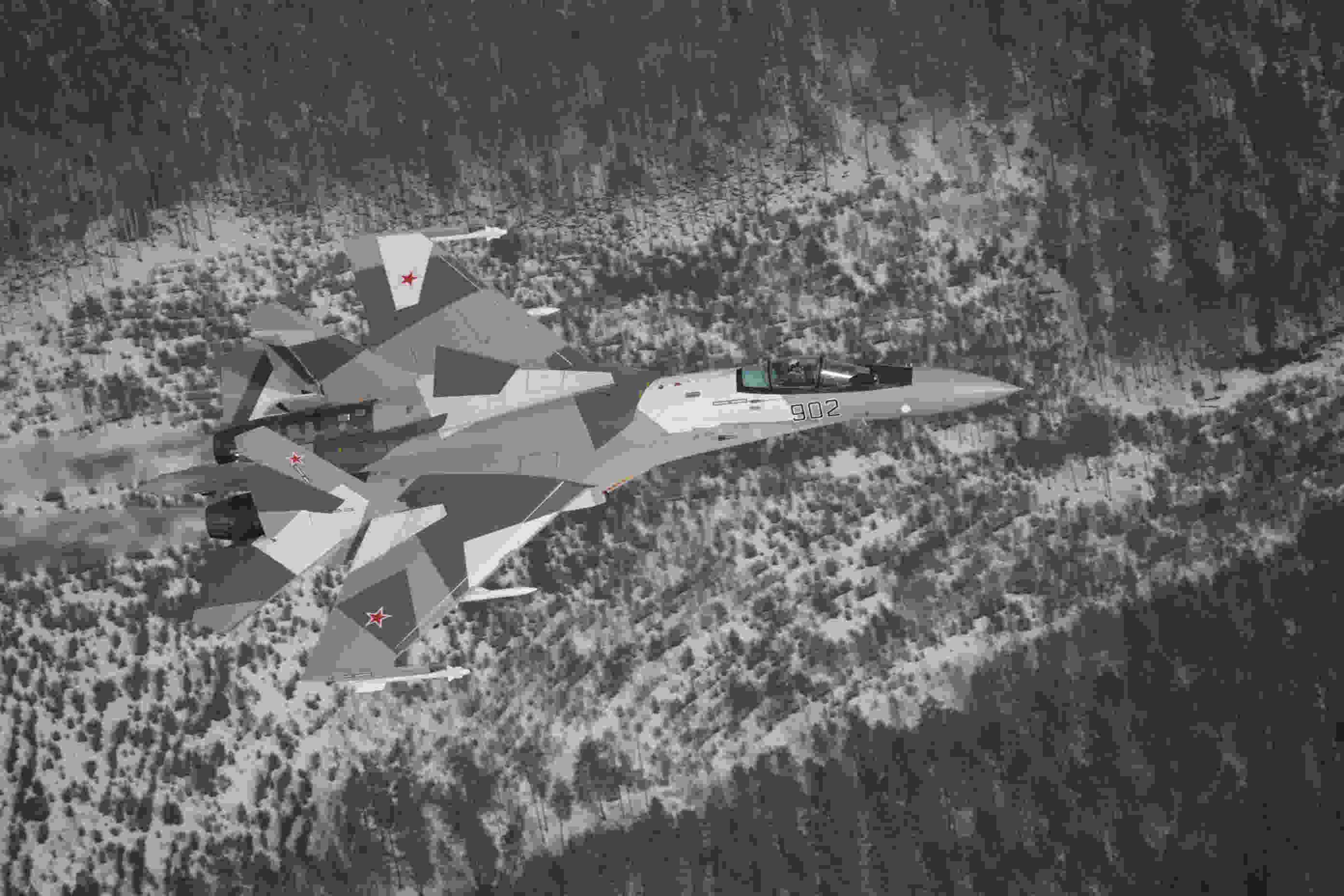 侧卫系列巅峰颜值:苏35——902号原型机
