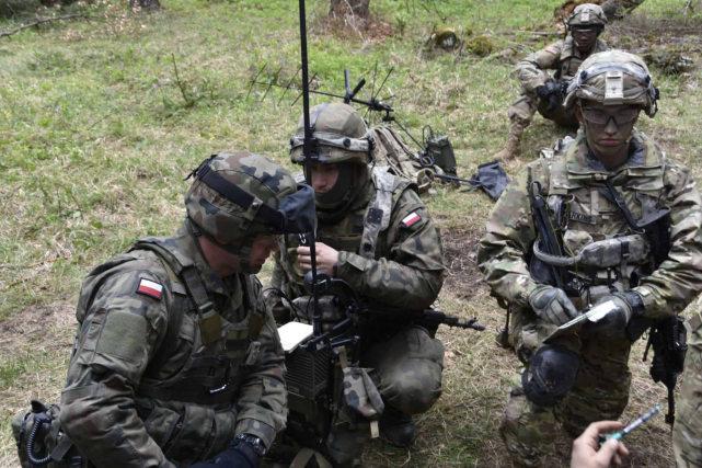 制胜看不见战场!美媒:事情越来越严重,中国正利用频谱对美军