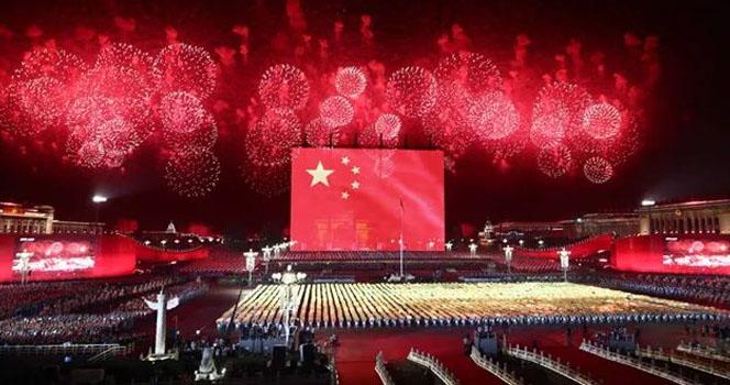 100万亿!中国突破历史,美国防线正在全面瓦解...