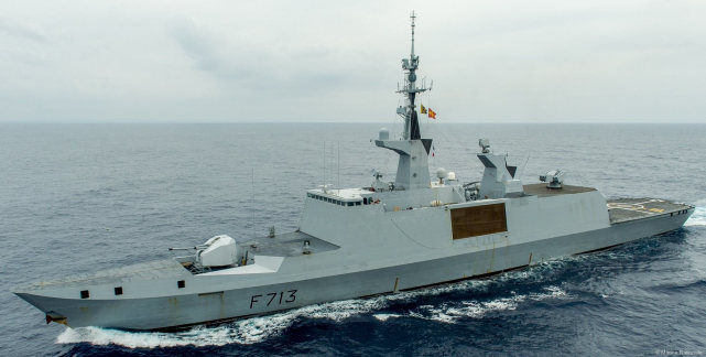 核潜艇来南海后,法国两栖舰队启程赴日本参加演习,或从琼州海峡过境