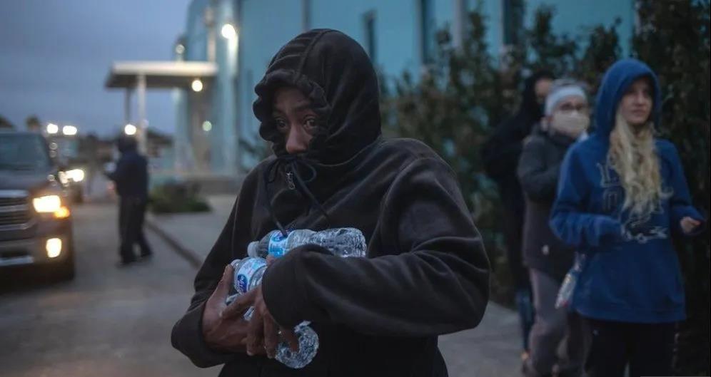 灾难!超1490万人断水 电费疯长200倍 600万新冠疫苗被困在了路上