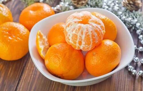 男子连吃5个橘子,吃进ICU!医生提醒要知道