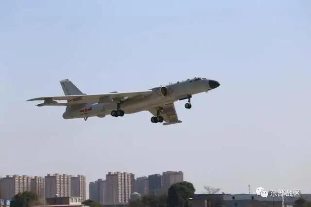 官方首次证实!东部战区空军列装新型战略轰炸机