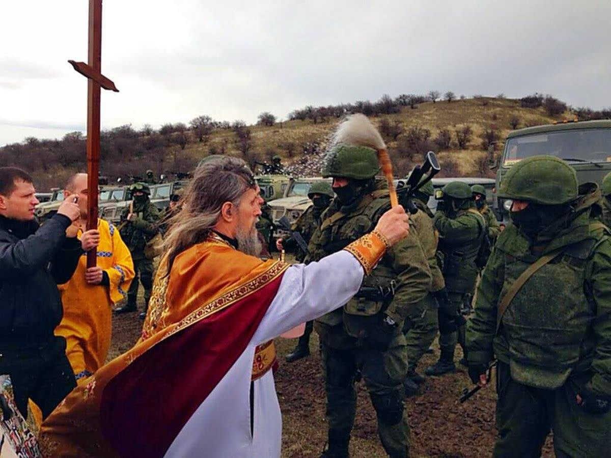"""俄罗斯军队传统:给武器""""开光"""""""