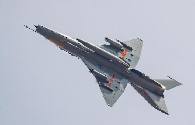 """美媒:中国训练部队接收歼-7G意义重大,说明解放军已""""不差钱"""""""