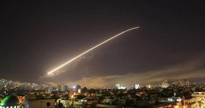 正月十五,拜登下令空袭叙利亚。致命烟火,遍地哀歌