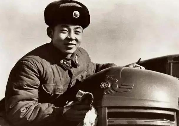 """从经典的""""雷锋车""""说起,三代军卡MV3助解放军纵横高原"""