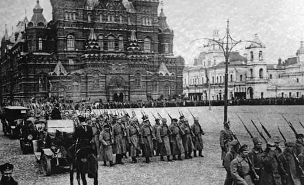 从废墟到霸主,美国成了苏联崛起的幕后推手