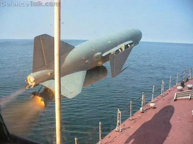 """中国渐行渐远的""""导弹驱逐舰象征"""":从""""不敢高攀""""开始的海鹰记忆"""