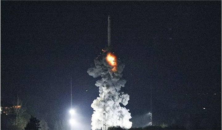 """我国成功发射引力波暴高能电磁对应体全天监测器卫星""""怀柔一号"""""""