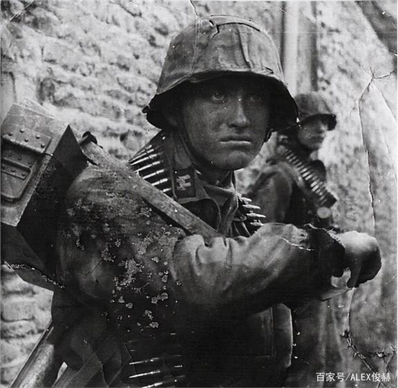 二战德军步兵班装备,火力有多强大,能否压制日军
