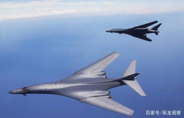 还敢在南海嚣张?大批歼11战机紧急起飞,美军轰炸机编队赶忙逃窜